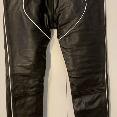 Leather pants – white piping – Size 36. Double zip (front to rear). NEW